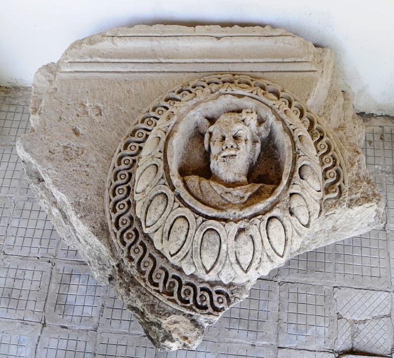Останки от античния град Ескус, който се намира край село Гиген, Плевенска област.