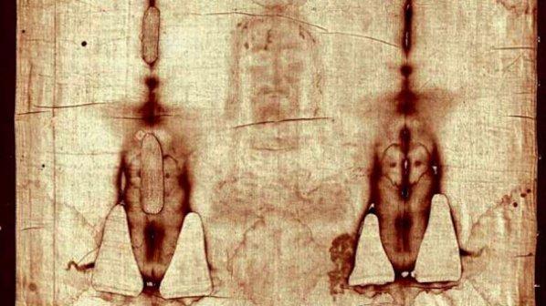 Торинската плащаници е една от най-големите светини на Църквата. Това е лененото платно, в което е било увито тялото на Христос след свалянето му от кръста.