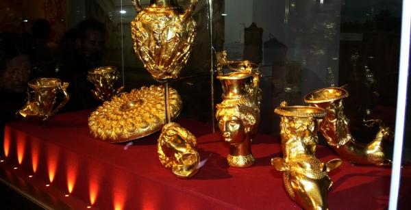 Панагюрското злато е друг от акцентите в изложбата в Лувъра.