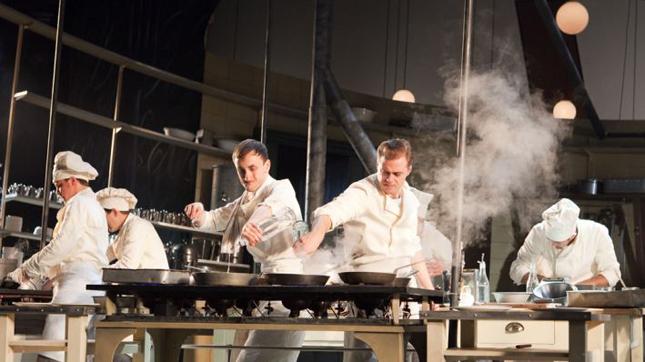 Снимка от постановката на Британския национален театър, 2011 г.