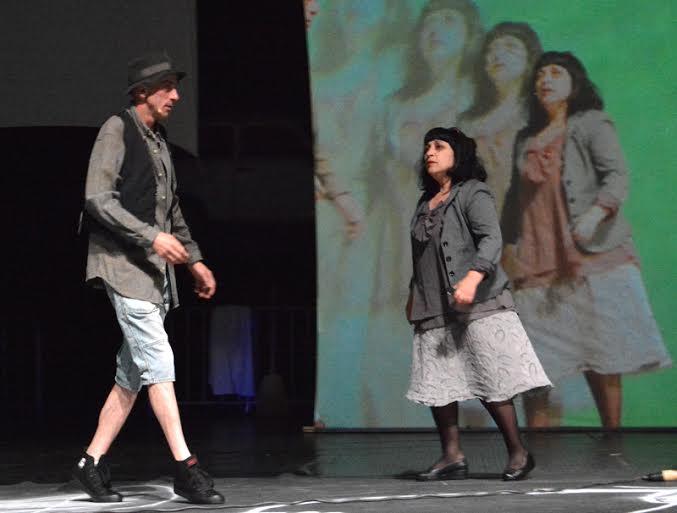 """Малин Кръстев и Мая Новоселска в сцена от новата """"Улица""""."""