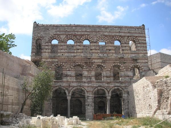 Останки от Двореца на Порфирогенита в днешен Истанбул
