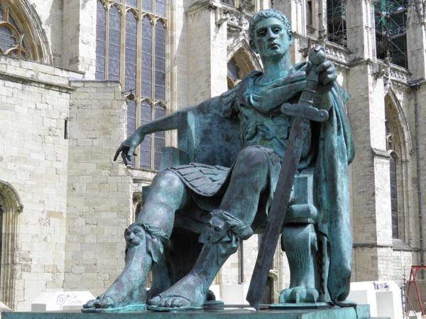 Паметник на Константин Велики в Йорк