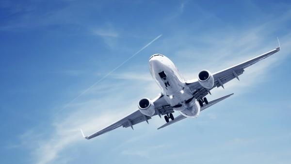 Транспортът е примитивен и би създал проблеми на туристите, които не са свикали с местното общество, технологии и/или гравитация.