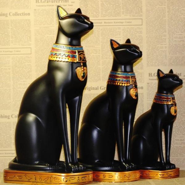 Можете да изследвате най-различни религии, а интернет наскоро възроди любопитния човешки навик за боготворене на котки.