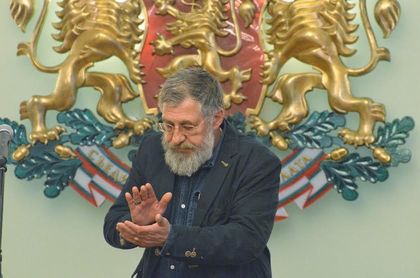 Писателят Деян Енев
