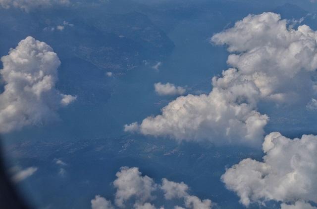 Плаващите кейове от 11 хил. метра височина.