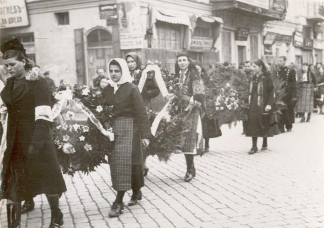 Шествие по улиците на Пловдив изпраща Димитър Кудоглу на погребението му.