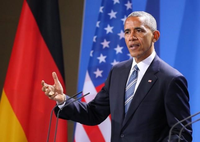 """Според Барак Обама """"масовата активна дезинформация""""  е """"пакетирана много добре"""" и изглежда еднакво и във Фейсбук, и по телевизията. Снимка: ЕПА/БГНЕС - Обама за социалните медии: Живеем в масова дезинформация"""