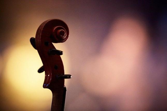 """Между очакванията на БНР и """"Музикаутор"""" все още съществува пропаст - пълна, за щастие на меломаните, с класики на симфоничната музика и джаза. Снимка: НДК - Ура, класиката продължава! БНР отказа на """"Музикаутор"""""""
