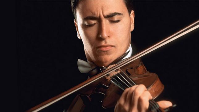 """Прочутият руски цигулар Максим Венгеров пристига за концерт у нас на 30 март. И надали ще се раздели с цигулката си по време на полета до България, което предполага, че няма да лети с """"Аерофлот"""".  - """"Аерофлот"""" спира превоза на цигулки и виоли като ръчен багаж"""