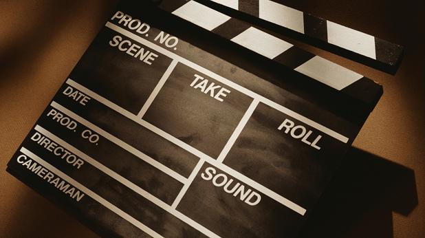 От Министерството на културата обещават гласуването на промените в Закона за филмовата индустрия да стане възможно най-скоро и процесът по филмопроизводство да не бъде забавен. - Спират парите за българско кино?