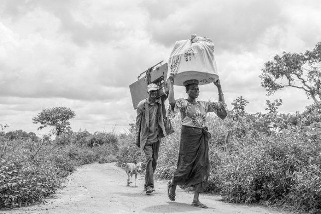 """""""Всички хора, които срещнах в Южен Судан – на 5 или на 55 години, разбират, че образованието е най-сигурният път за едно по-добро утре за тях и за семействата им"""", обяснява Боряна Кацарова. Снимката е част от нейната поредица """"Безкрай"""". - Пет портрета на българи, снимащи за световни агенции"""