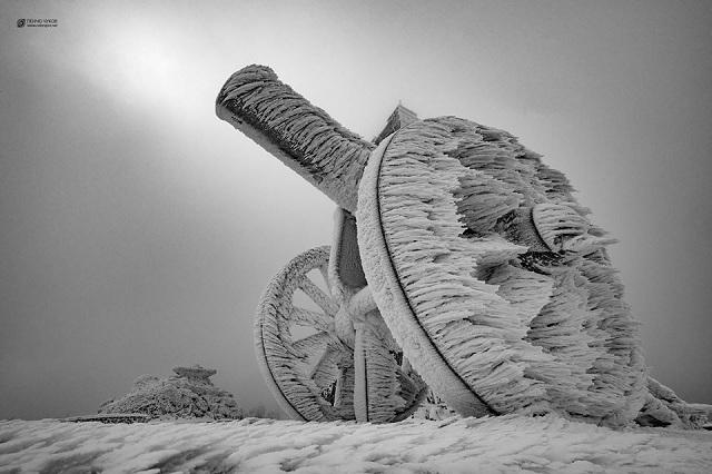 Тържественото събитие за 140-годишнината от Освобождението на България ще бъде от 12 ч. в подножието на Паметника на Свободата на връх Шипка. Снимка: Пенчо Чуков - Програма на арт събитията на Националния празник