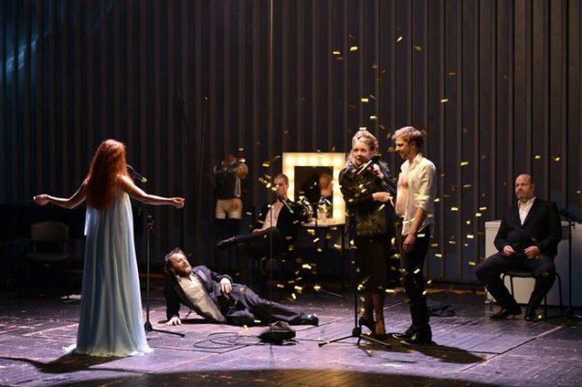 """Сцена от спектакъла на Йерней Лоренци """"Илиада"""", игран през 2016-а на сцената на Сатиричния театър. - Най-добрият спектакъл, който сте гледали, от същия режисьор"""