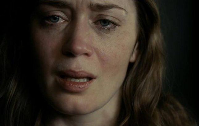 """Бестселърът на Паула Хоукинс """"Момичето от влака"""" бе екранизиран с Емили Блънт в главната роля. - Авторите на трилъри печелят убийствено много пари"""
