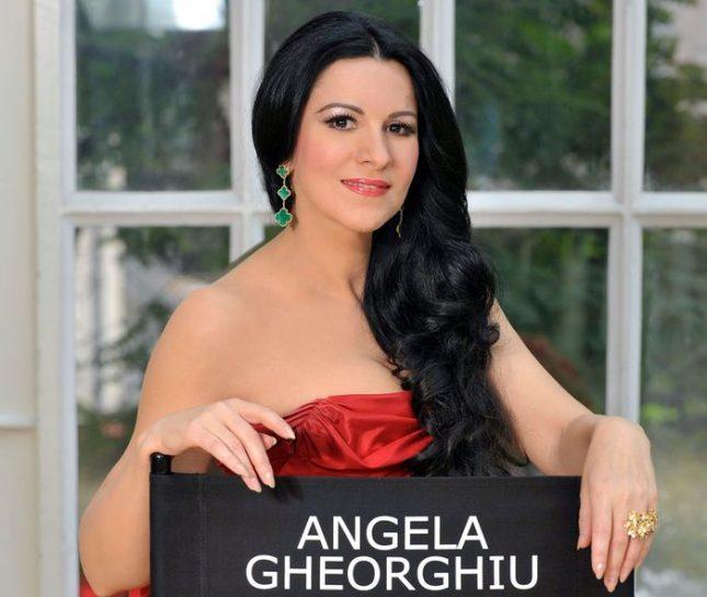 """На 52 Анджела Георгиу твърди, че вече е готова за всички роли, за които преди е била млада - в оперите """"Манон Леско"""", """"Дон Карлос"""" и """"Федора"""". Снимка: Личен архив - Анджела Георгиу за първи път в България"""
