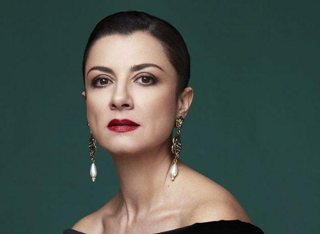 """Снимка: Диляна Флорентин, сп. """"Diva!"""" - Тези, които прославят България, зависят от онези, които я срамят"""
