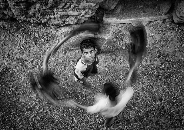 Между 13 и 22 юни в НДК ще се проведе 39-ото издание на младежкото  биенале за фотография, престижен международен фотоконкурс за деца до 16 и до 21  години. Участват 452 автора от 18 държави. - НДК: Пайсе, Европо… Идем
