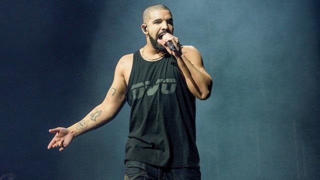 """Рапърът Дрейк разби и собствения си рекорд за най-много сингъли в """"Hot 100"""" с 27 парчета - включително всичките 25 песни от """"Scorpion"""". - Дрейк разби исторически рекорд на """"Бийтълс"""""""