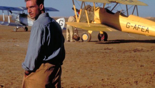 """Ралф Файнс в кадър от """"Английският пациент"""" - филм с 9 награди """"Оскар"""" - Най-добрата книга, печелила някога """"Букър"""": """"Английският пациент"""""""