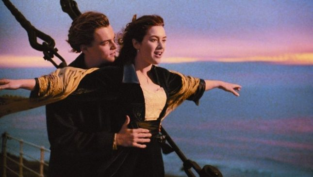 """И преди някои от най-популярните филми са се окичвали с """"Оскар"""", но тенденцията в последните години е друга. На снимката: Леонардо ди Каприо и Кейт Уинслет във филма """"Титаник"""" (1997), спечелил 11 оскара - Осигуриха ли служебен """"Оскар"""" за Черната пантера?"""