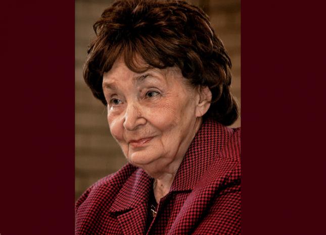 Магда Сабо (1917 - 2007). Снимка: Уикипедия - Лабиринтите травма, тишина и срам