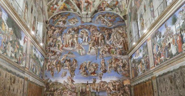 Във Ватиканските музеи единствено Сикстинската капела разполага с климатична система. Снимка: ЕПА/БГНЕС - Ватикана обмисля да наложи лимит на посетителите в музеите си